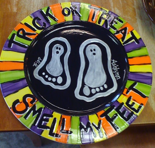 halloween plate ~ trick or treat smell my feet ~ smile ~ definitely date the back of the plate