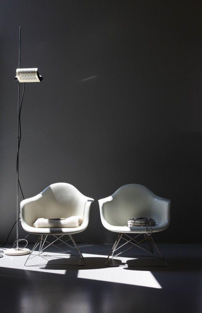 Low Rod Fiberglass Armshell Chair