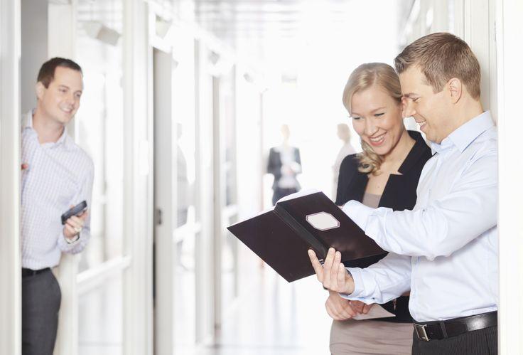 KEHITYSJOHTAJA! Elisalla avoimena loistava  tulevaisuuden tekijän paikka Tuotannon Mobile Network Service -tulosyksikössä. Klikkaa kuvaa ja lue lisää varsinaisesta työpaikkailmoituksesta!
