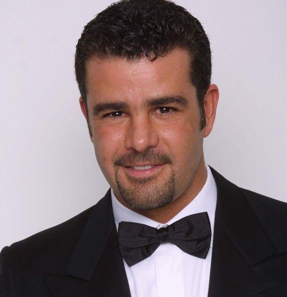 """A pesar de haber actuado en 18 telenovalas y dos películas, Eduardo Capetillo ha ganado un solo premio, el de TvyNovelas en la categoría mejor revelación masculina por su participación en """"Alcanzar un estrella"""", en 1991."""