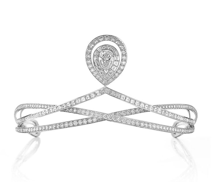 Chaumet tiara with central diamond from the 12 Place Vendome collection, series No 1