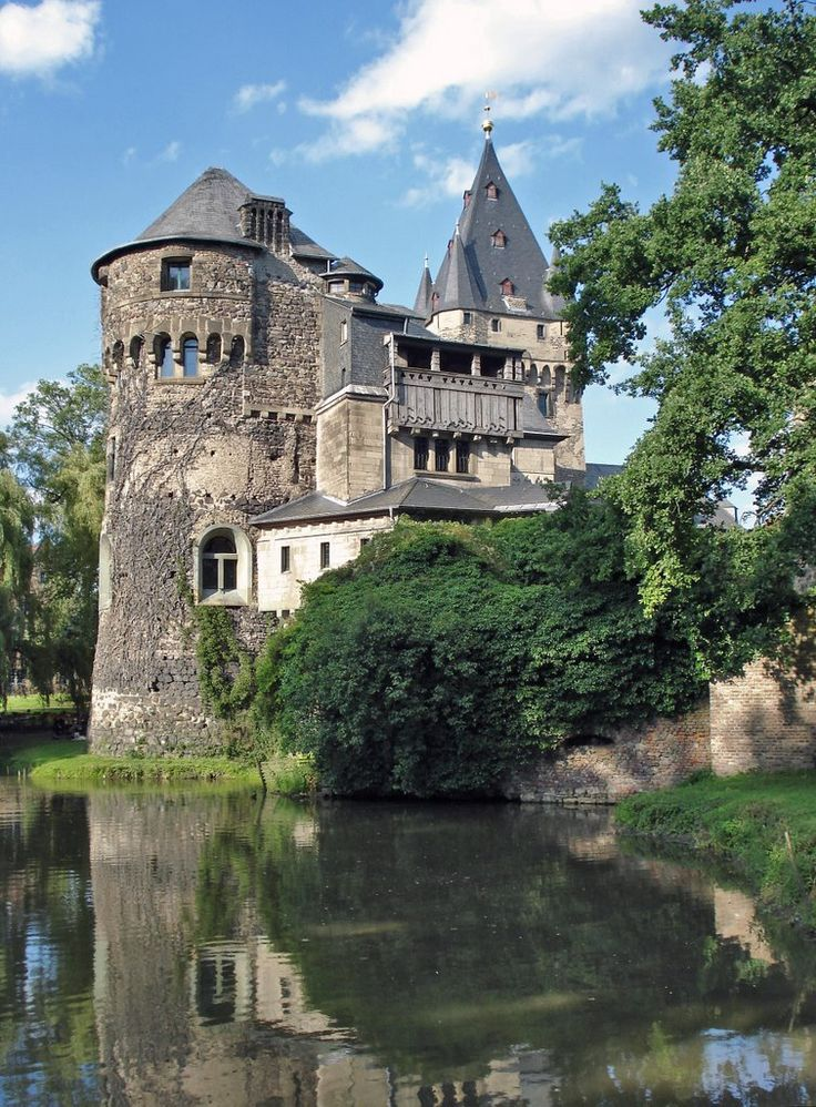 Castle Hülchrath, Grevenbroich, Nordrhein-Westfalen, Germany