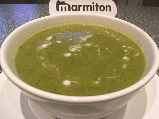 Soupe de cerfeuil rapide : Recette de Soupe de cerfeuil rapide - Marmiton (recipe in French)