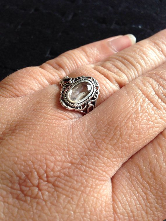 Sterling silver vintage ring with large soft by ThreeBearsBrown