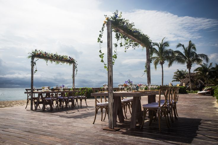 This is a wider view angle of this reception display idea. You'll be the talk of your guests for years to come with this display #lizmooreweddings #lizmooredestinationweddings #Lizmooremexico #lizmooredreamsrivieracancun