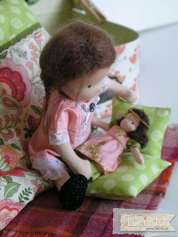 Waldorf inspired cloth tiny dolls by Lalinda.pl