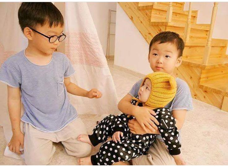 #Cr.to owner  #Igilovesongtriplets #Daehan Minguk ManSe #LalitaMuangman #Song's Cute Triplets