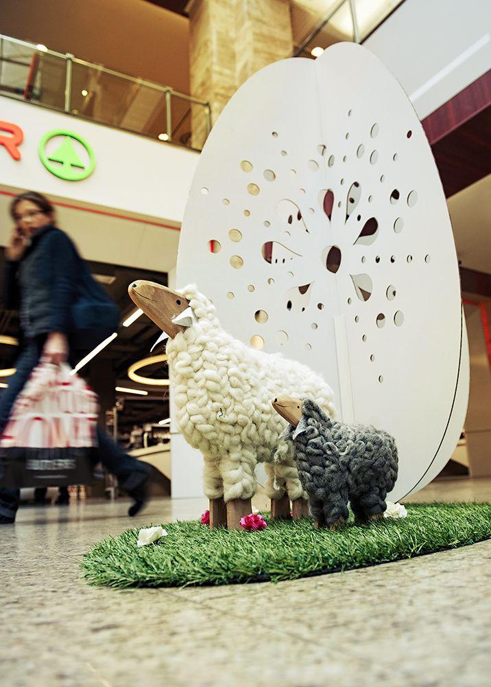 Húsvéti díszben a MOM Park