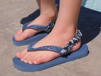 Stretchy Straps for kids flip flops | Drama Queen Seams