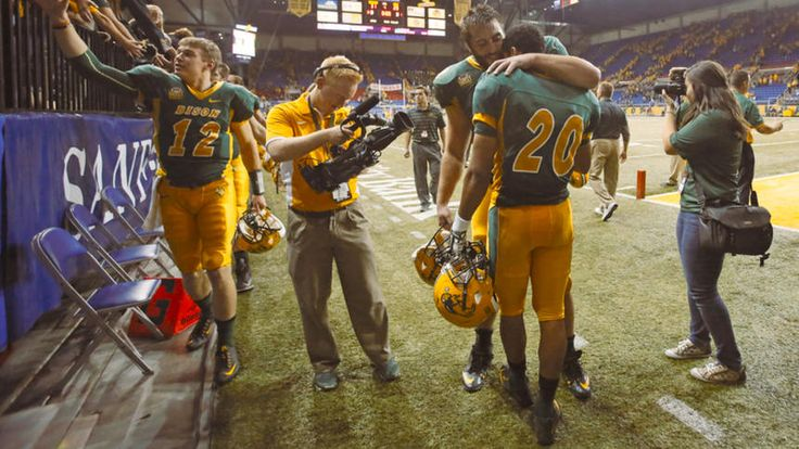 NDSU FOOTBALL: Bison score with 35 seconds left to top Northern Iowa 31-28   Homecoming game, Brady's freshman year!!