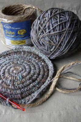 Crocheting around jute