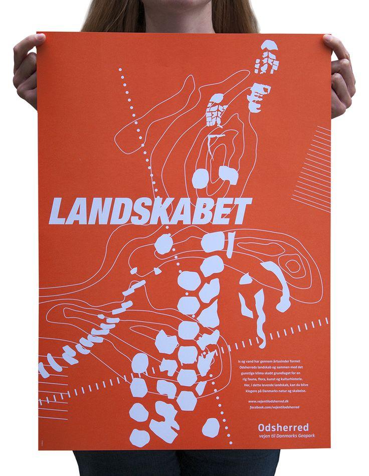 Die in der Landschaft von Odsherred hinterlassenen Spuren sind das durchgängige grafische Motiv der Kampagne. Sie reflektieren die zeitgeschichtliche Tatsache, dass die Landschaft über die Jahrtausende Spuren aus geologischen und kulturhistorischen Veränderungen hinterlassen hat.