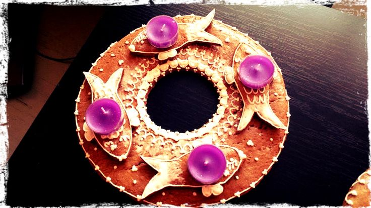 Gingerbread Christmas Wreath with Candles