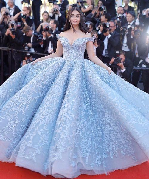 cannes film fest 2017 Aishwarya Rai Bachchan stun