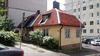 This is Queen Christina's Hunting Palace on Otterhällan in central Göteborg (Gothenburg) , formerly located at Upper Kirkkokatu 1 - now at Otterhällegatan 16