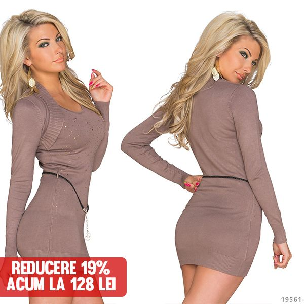 Click pe poza pentru a intra pe site. Bluza ultra moderna, lunga, frumos mulata pe trup, cu strasuri aplicate si efect de bolero in partea de sus. #rochii #rochiideseara #fashion #dress #rochiideocazie #NFR #NewFashionRomania #declub #VinereaNeagra #BlackFriday #Reduceri #fashion #BlackFridayFashion #ReduceriBlackFriday
