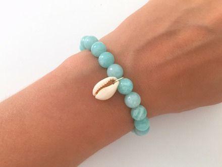 """Bracelet """"Cauri"""" en amazonite * épanouissement *, perles en pierre naturelle, coquillage, bien-être, bohème chic, idée cadeau femme : Bracelet par maheva"""