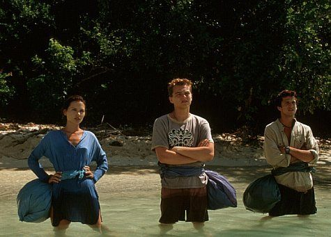 Still of Leonardo DiCaprio, Virginie Ledoyen and Guillaume Canet in The Beach