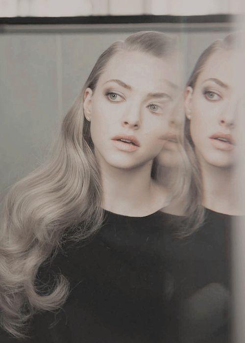 Simplistic Style | Amanda Seyfried.