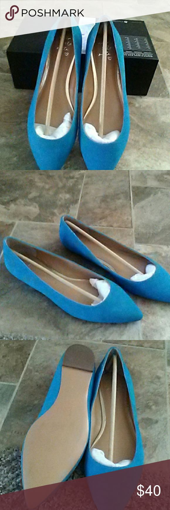 Banana Republic brand new shoes Suede flat shoes. Banana Republic Shoes Flats & Loafers