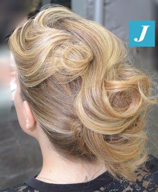 Originalità è il nostro motto. #cdj #degradejoelle #tagliopuntearia #degradé #igers #naturalshades #hair #hairstyle #haircolour #haircut #longhair #style #hairfashion