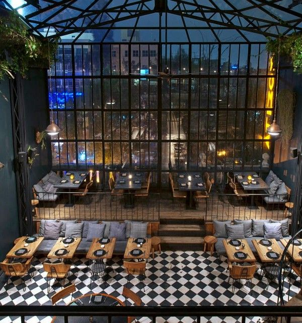A multi-use historic building in modern Mexico City is home to an adored local eatery and lounge, Romita Comedor. This dining hot spot serves up traditionally-inspired Mexican dishes in an environment well-fitted with vintage furnishings. The decoration feels right at home in a structure that is roughly a century old, [...]