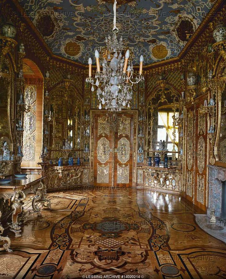 baroque interior of the mirror room 1711 schloss