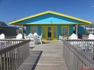 Topsail Island rental: Montana Cafe - Oceanfront 2 bedroomshouse in Surf City,