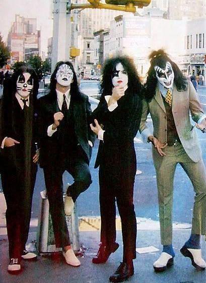 Dressed To Kill 1975
