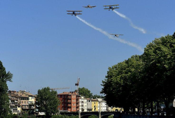 Velivoli d'epoca nel cielo di Parma - Foto