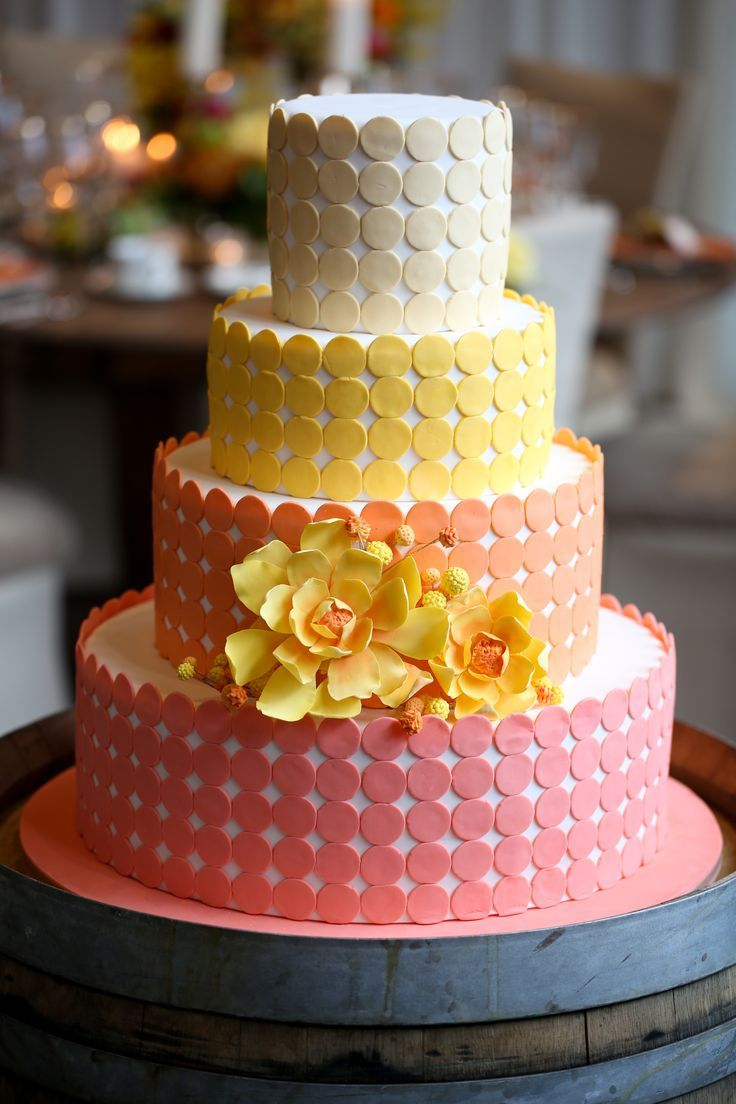 Daily Wedding Cake Inspiration (New!). To see more: http://www.modwedding.com/2014/07/16/daily-wedding-cake-inspiration-new/ #wedding #weddings #wedding_cake Featured Wedding Cake: Amy Beck Cake Design; Featured Photographer: Robyn Rachel Photography