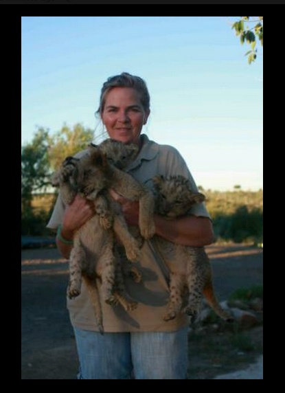 """Hilary and her """"kids"""". — in Jansenville, Eastern Cape, South Africa.  http://www.facebook.com/DigitalAgeJournalist"""