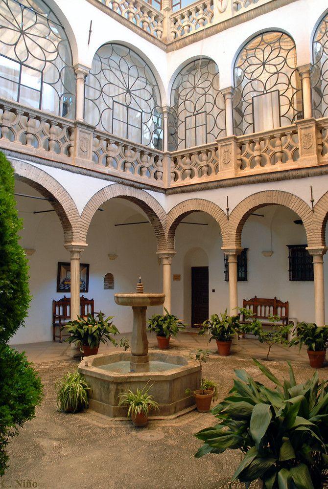 Las 25 mejores ideas sobre fachadas de casas coloniales en for Patios andaluces decoracion