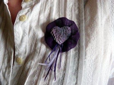 Kreatív ötletek anyák napjára: Szíves kitűző    http://www.hobbycenter.hu/Unnepek/szives-kitz.html#axzz2LeuGgCUw