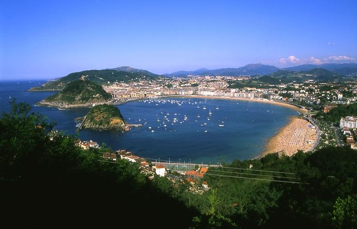 Je kunt via Fuentes nu ook een cursus Spaans volgen in San Sebastián. Geniet van deze prachtige stad en het heerlijke eten!