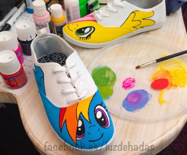 My little pony hand painted shoes Pintados a mano  www.facebook.es/luzdehadas  #mylittlepony #shutterfly #unicorn