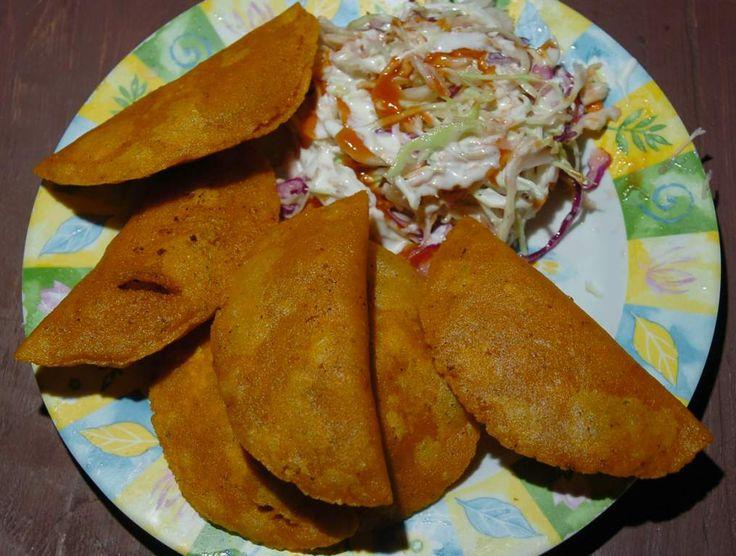 Los pastelitos de carne hondureños son una comida fascinante, tienen todo para ser un verdadero manjar; buenos ingredientes, económicos, pero sobre todo,