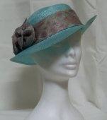 Cappello verde in paglia
