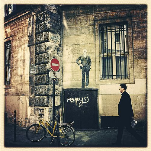 Leo & Pipo * Rue Malher * Paris Paris IV, rue du Roi de Sicile (cw9)