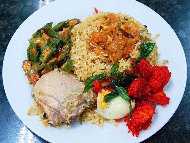 マレーシアで進化を続ける スパイス香る炊き込みご飯「ビリヤニ」|マレーシアごはん偏愛主義!|CREA WEB(クレア ウェブ)
