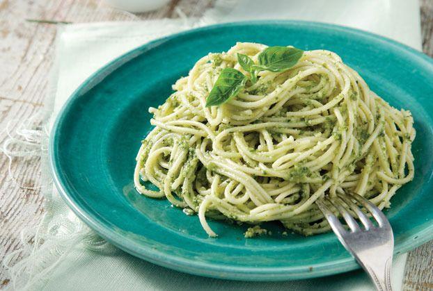 Spaghetti-me-pesto-vasilikou