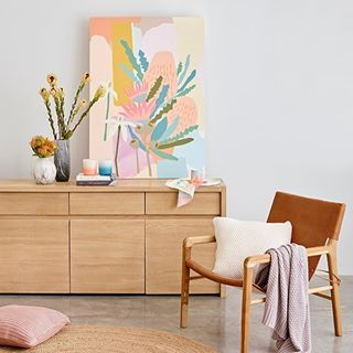 F I R S T / L O O K // Iconic Australian brand @sportscraft has collaborated with artist @leahbartholomew to create a truly gorgeous range of luxe summer essentials for the home and the beach. See it first on We Are Scout now. And you can W I N this original artwork by Leah! The collection is limited edition so be quick scouts! #wearescout #linkinprofile #christmassorted