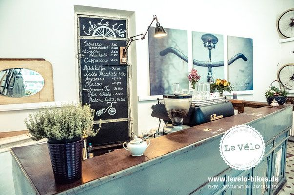 Das Fahrrad - Le Vélo // Bikes · Restauration · Accessoires Café im Eppendorfer Weg Hamburg