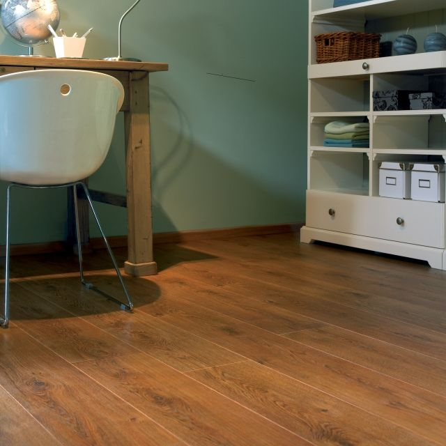 BALTERIO Tradition Quattro TQ438 Legacy Oak- this is the laminate flooring we've gone with