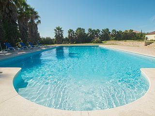 Huge,+5-bedroom+villa+in+Palmela+with+a+swimming+pool+and+horse+stables+–+15+mins+from+the+sea!+++Holiday Rental in Costa Azul - Setubal area from @HomeAwayUK #holiday #rental #travel #homeaway