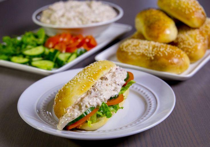 Mjukt bröd med tonfiskröra- Subwaymacka