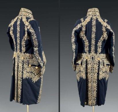 Magnifique et rare habit ayant appartenu au maréchal Davout, Duc d'Auerstaedt, Prince d'Eckmühl. Habit de grand uniforme d'après le décret du 29 messidor an XII (18 juillet 1804)