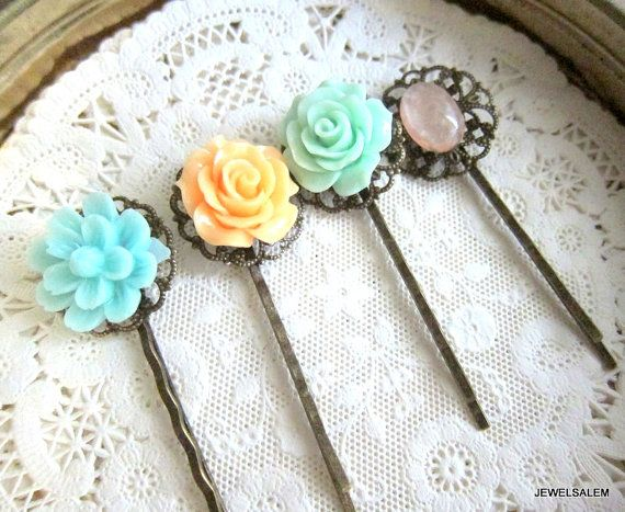 Flower Hair Slides Floral Hair Pins Mint Green Peach Rose Bridesmaids Gift Pastel Color Shabby Chic Wedding Bobby Pin Set of 4 Vintage Retro