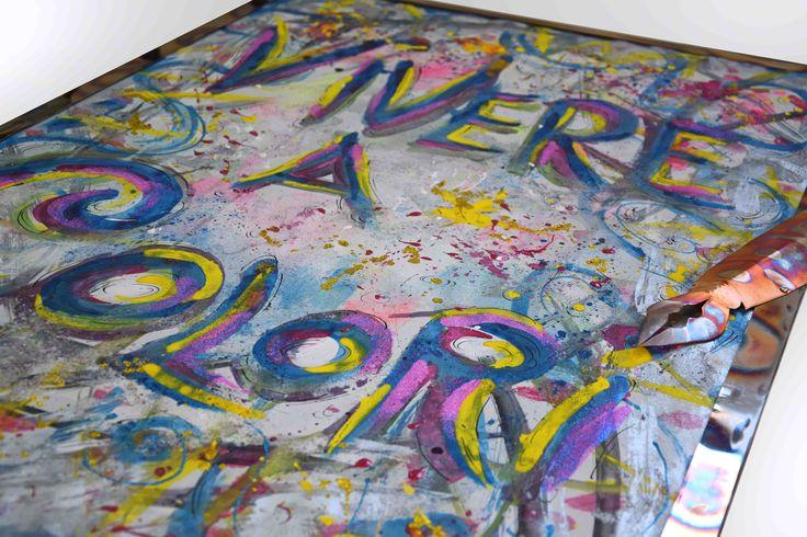 Vivere a Colori cm 71x103_2015_Alice Fagnocchi Per me la vita è COLORE…TUTTI I COLORI! Cornice realizzata in acciaio inox 316 bruciato. Pennino realizzato in rame bruciato. Stefano Carloni