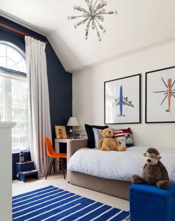 boy 39 s bedroom kid 39 s bedroom dark navy accent wall white and blue kids bedroom benjamin moore. Black Bedroom Furniture Sets. Home Design Ideas